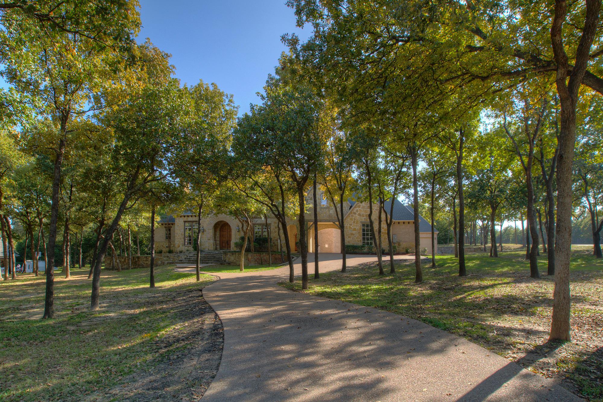 1200  Saddlebrook Way, Bartonville, TX 76226