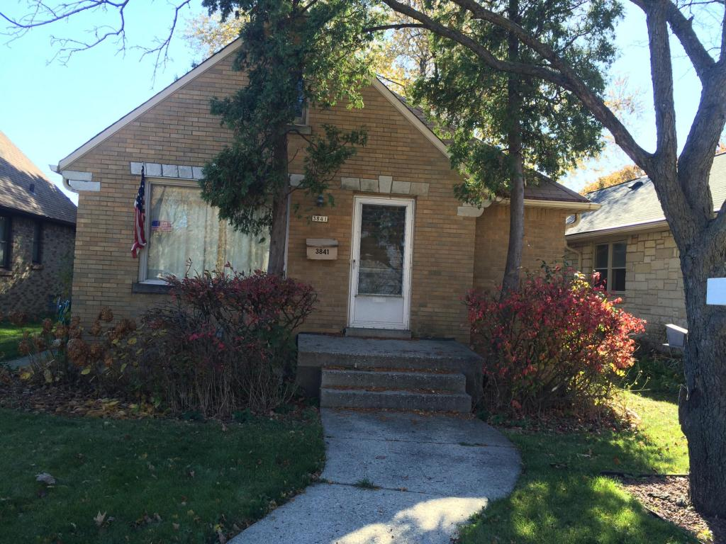 3841 W Forest Home Ave, Milwaukee, WI 53215