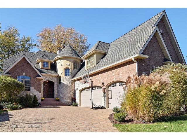4436 Roslyn Road, Downers Grove, IL 60515