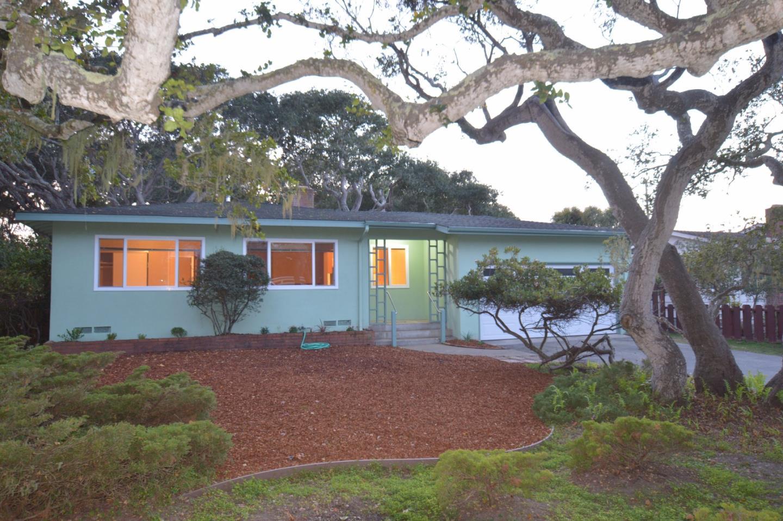 725 Marino Pines Rd, Pacific Grove, CA 93950