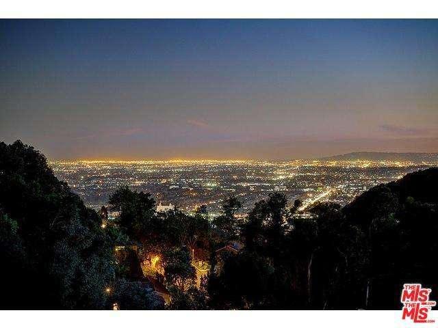 7212 Mulholland Dr, Los Angeles, CA 90068