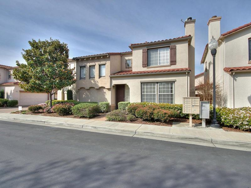 411 Clifton Avenue, San Jose, CA 95128 - For Rent