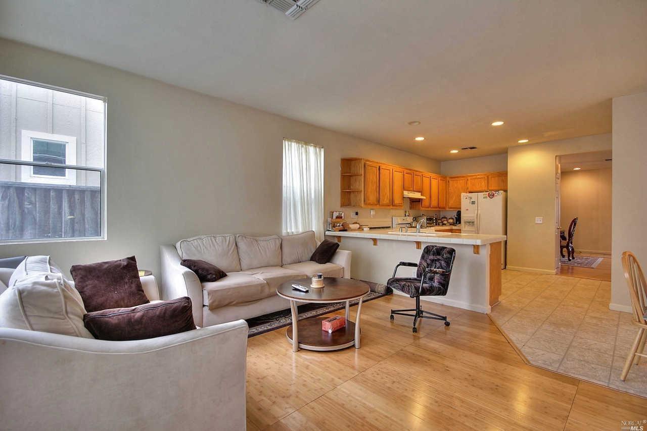 3864 Hogan Avenue, Santa Rosa, CA 95407