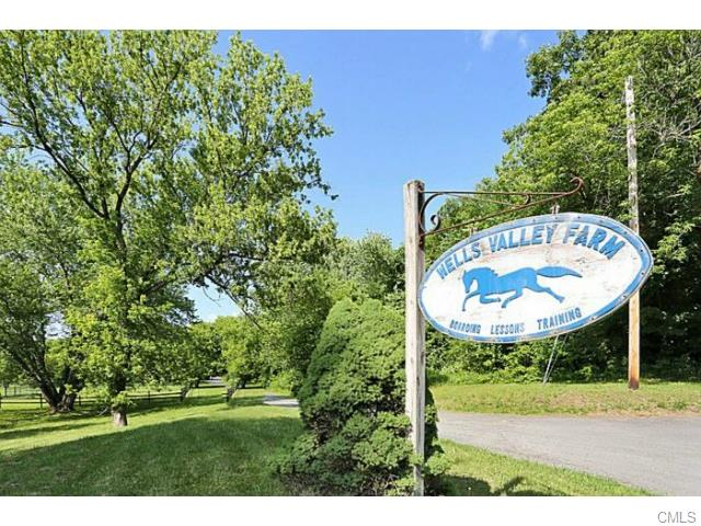 8 Wells Road, New Milford, CT 06776
