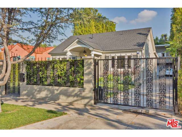 438 N Plymouth, Los Angeles, CA 90004