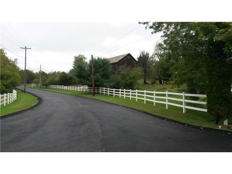 160 W Shaffer, Center Twp - Bea, PA 15001