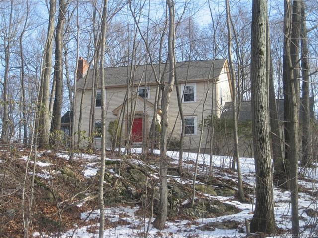 41  Woodcutters Dr, Bethany, CT 06524