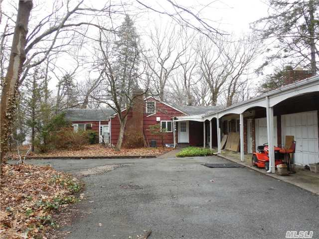 141 Hallock Rd, Lake Grove, NY 11755
