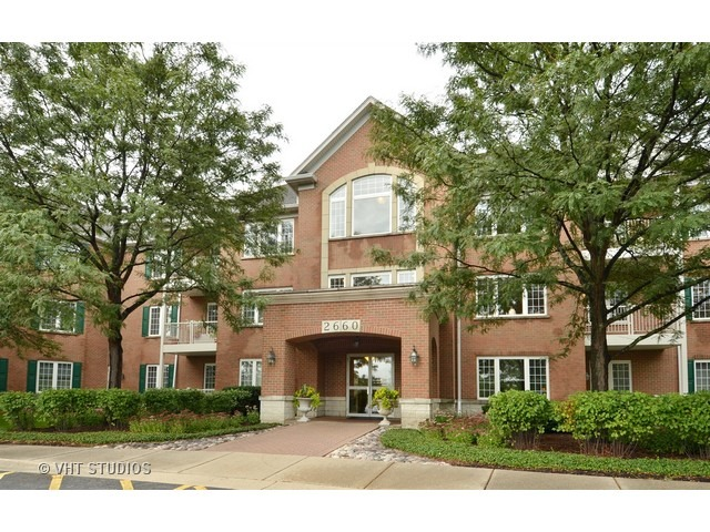 2660 Summit Drive, Glenview, IL 60025
