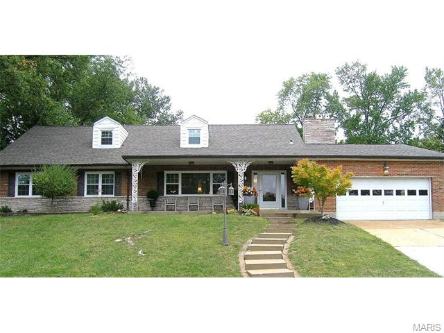 2915 Andover Drive, St Louis, MO 63121