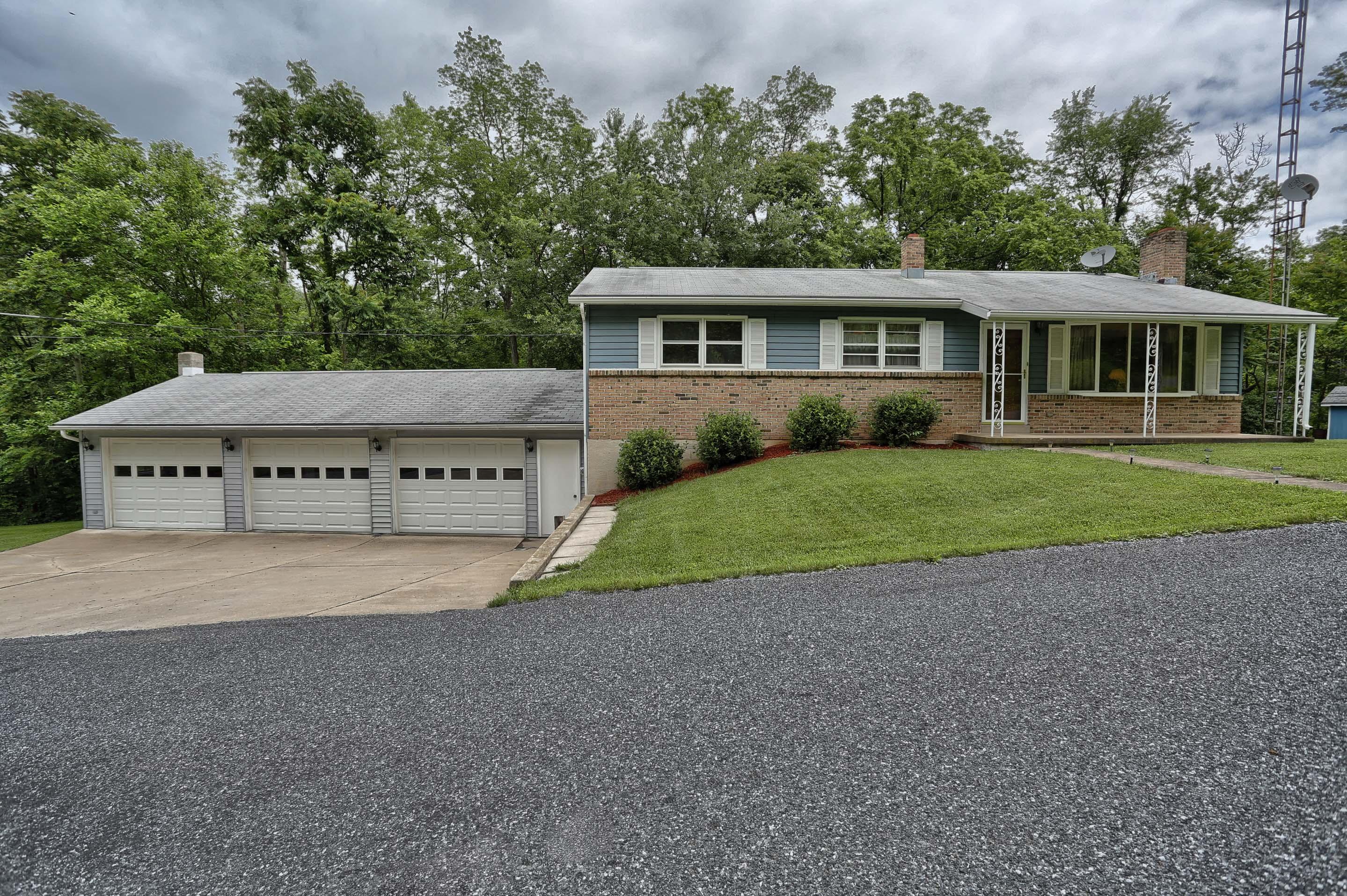 101 Ridge Road, Millerstown, PA 17062