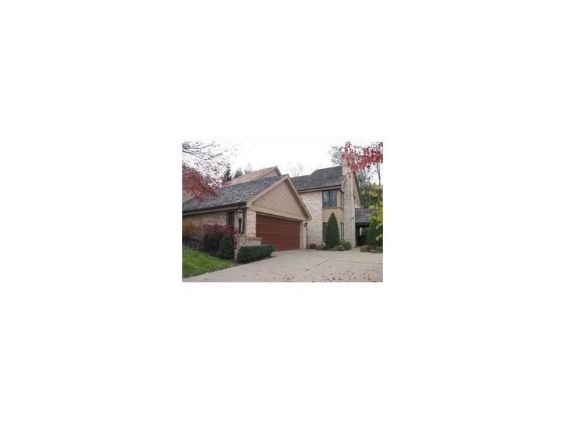 105 Village Court, Upper St. Clair, PA 15241