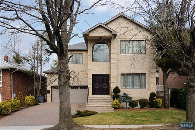 47 Euclid Rd, Fort Lee, NJ 07024