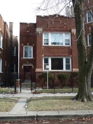 7811 South Bennett Avenue, Chicago, IL 60649