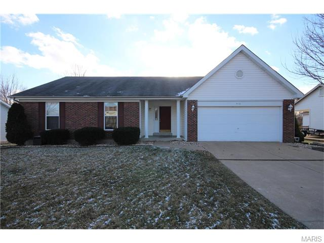 910 Carriage Hill Drive, St Peters, MO 63304