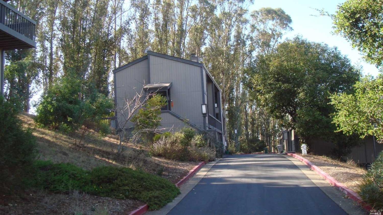 303 Vista Heights Road, El Cerrito, CA 94530