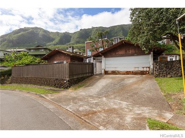 3684 Manoa Road, Honolulu, HI 96822