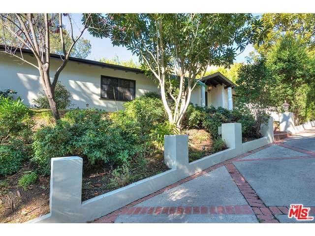 1722 Ferrari Dr, Beverly Hills, CA 90210