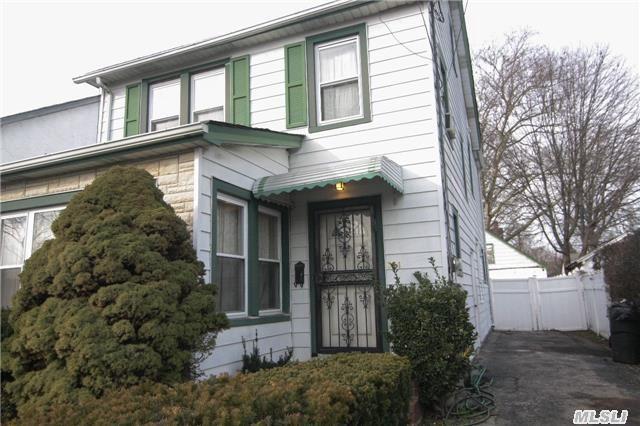 361 E Columbia St, Hempstead, NY 11550