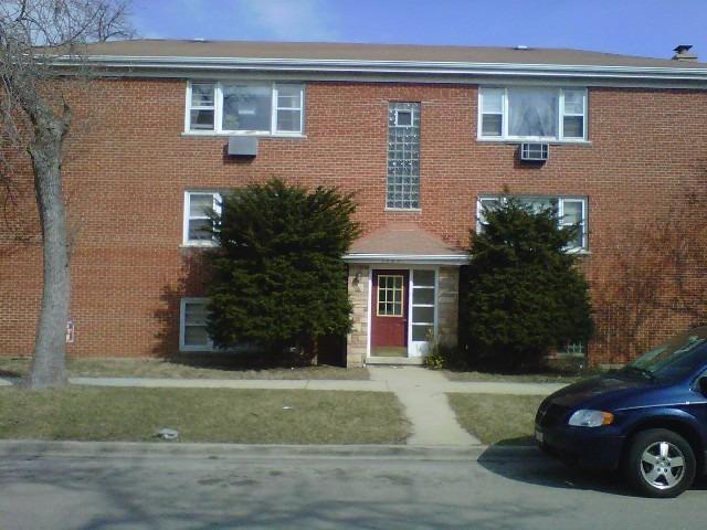 1247 Clinton Avenue, Berwyn, IL 60402