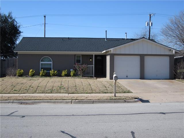 204 S Heights Drive, Crowley, TX 76036