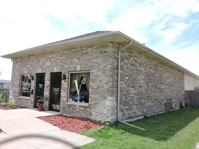 231 South Quincy Avenue, Bradley, IL 60915