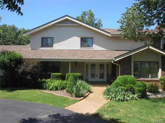 35 Jamestown Farm Drive, Florissant, MO 63034