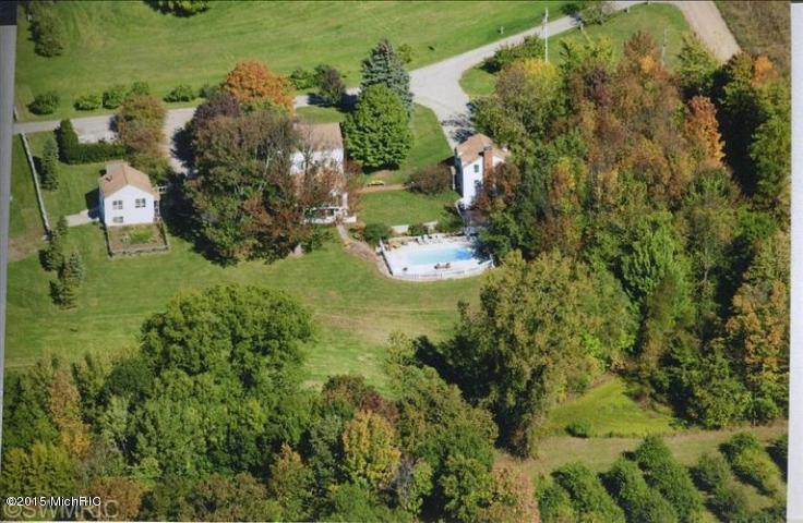 15488 Boyle Lake Road, Buchanan, MI 49107
