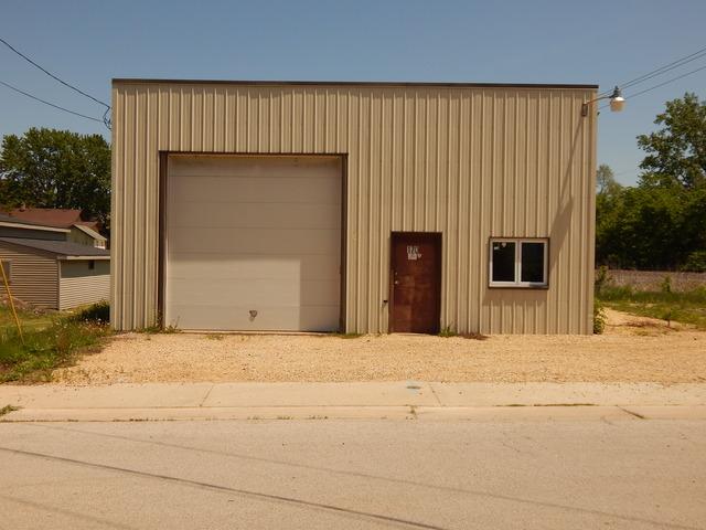 170 Wahlgren Avenue, Hinckley, IL 60520