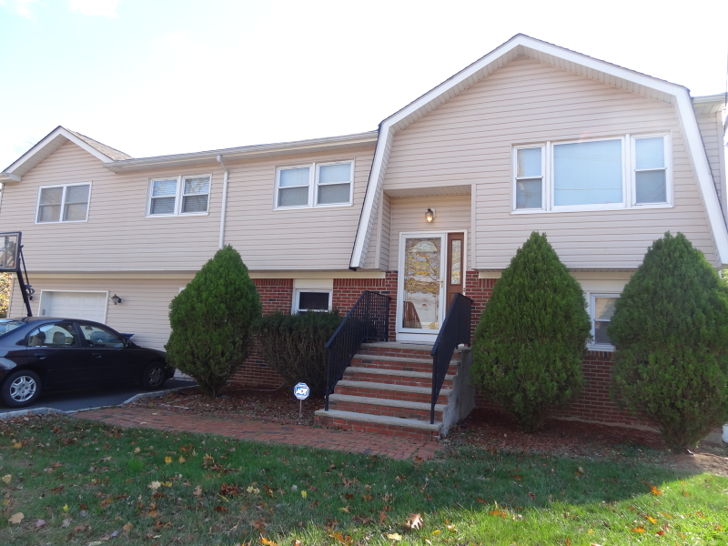 21 Universal Ave, South Plainfield Boro, NJ 07080
