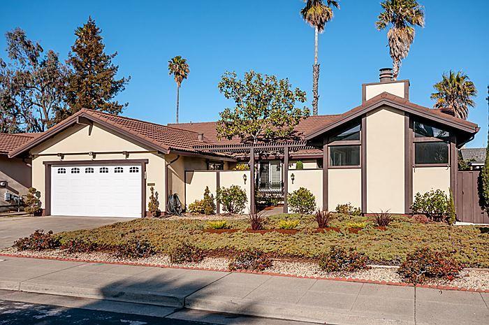 421 Luff Ln, Redwood Shores, CA 94065
