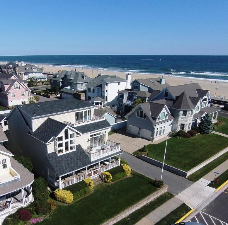 24 Garfield Avenue, Avon-by-the-sea, NJ 07717