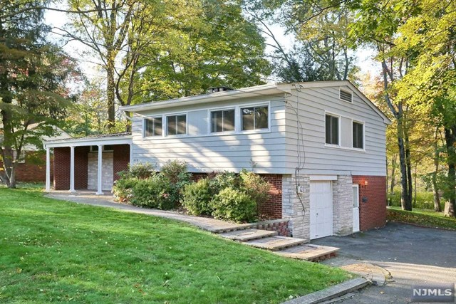 510 Brookside Ave, Allendale, NJ 07401