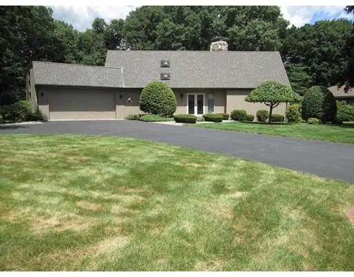 109 Carriage Rd, Chicopee, MA 01013