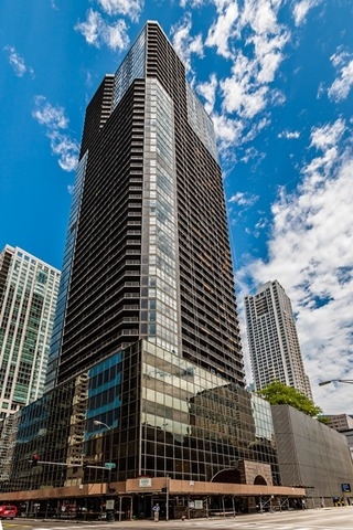 10 East Ontario Street, Chicago, IL 60611