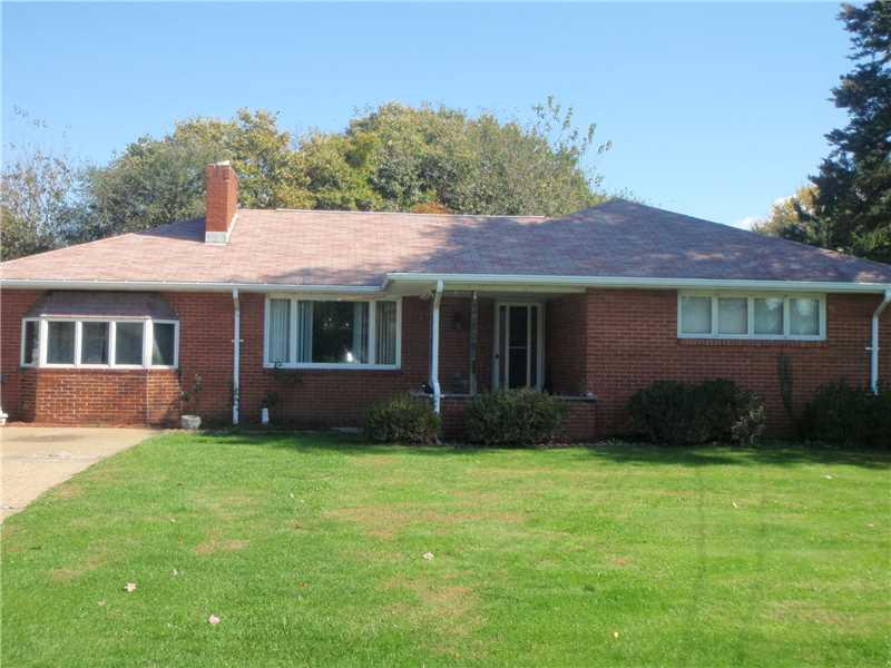 705 Pine Street, Center Twp - Bea, PA 15001