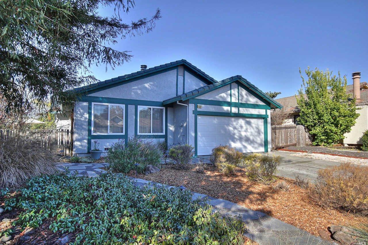 429 Yosemite Court, Petaluma, CA 94954