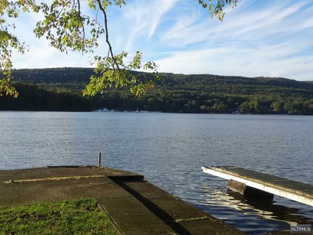 25 Forest Lake Dr, West Milford, NJ 07421