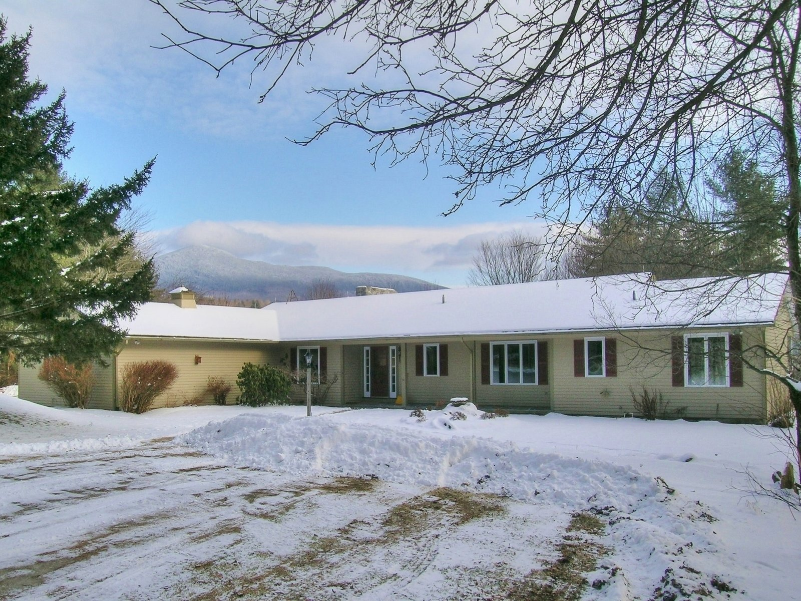 290  Forge Hill Lane, Lincoln, VT 05443
