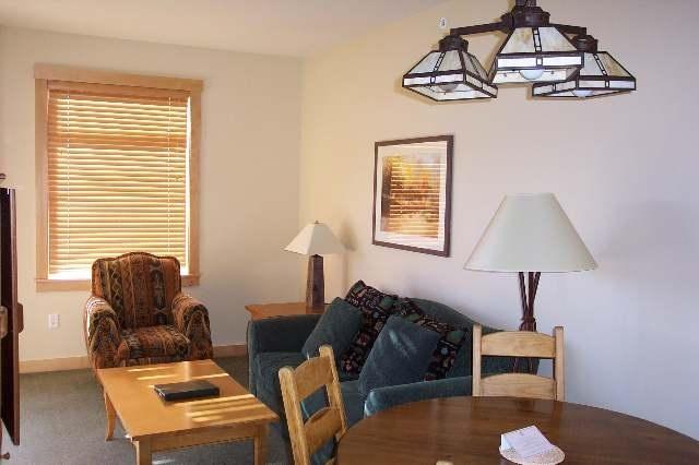 201 Juniper Springs Drive #303, Mammoth Lakes, California 93546