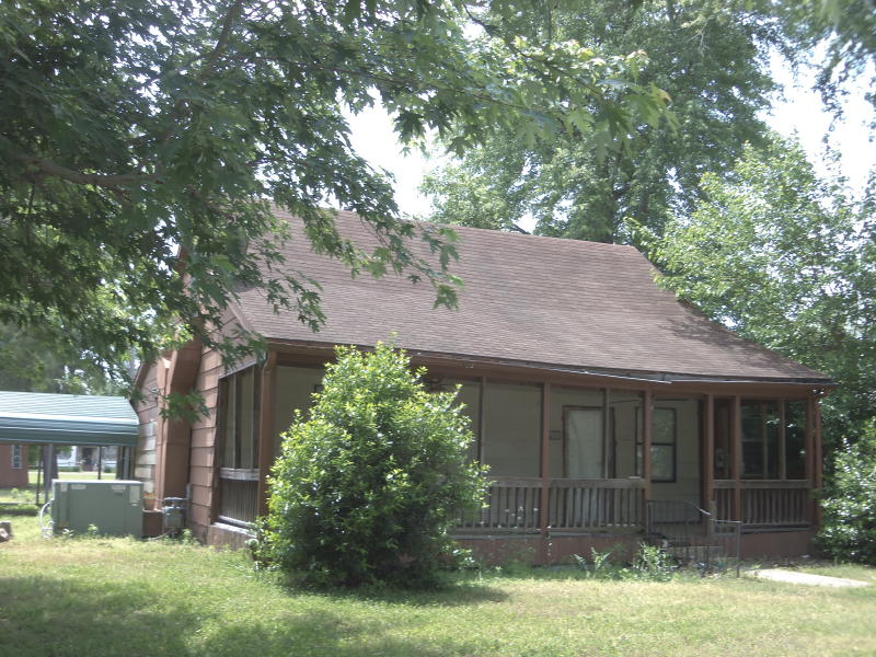 122 N King, Biggers, Arkansas 72413
