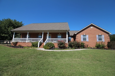 722 Pointe South Drive, Walland, Tennessee 37886