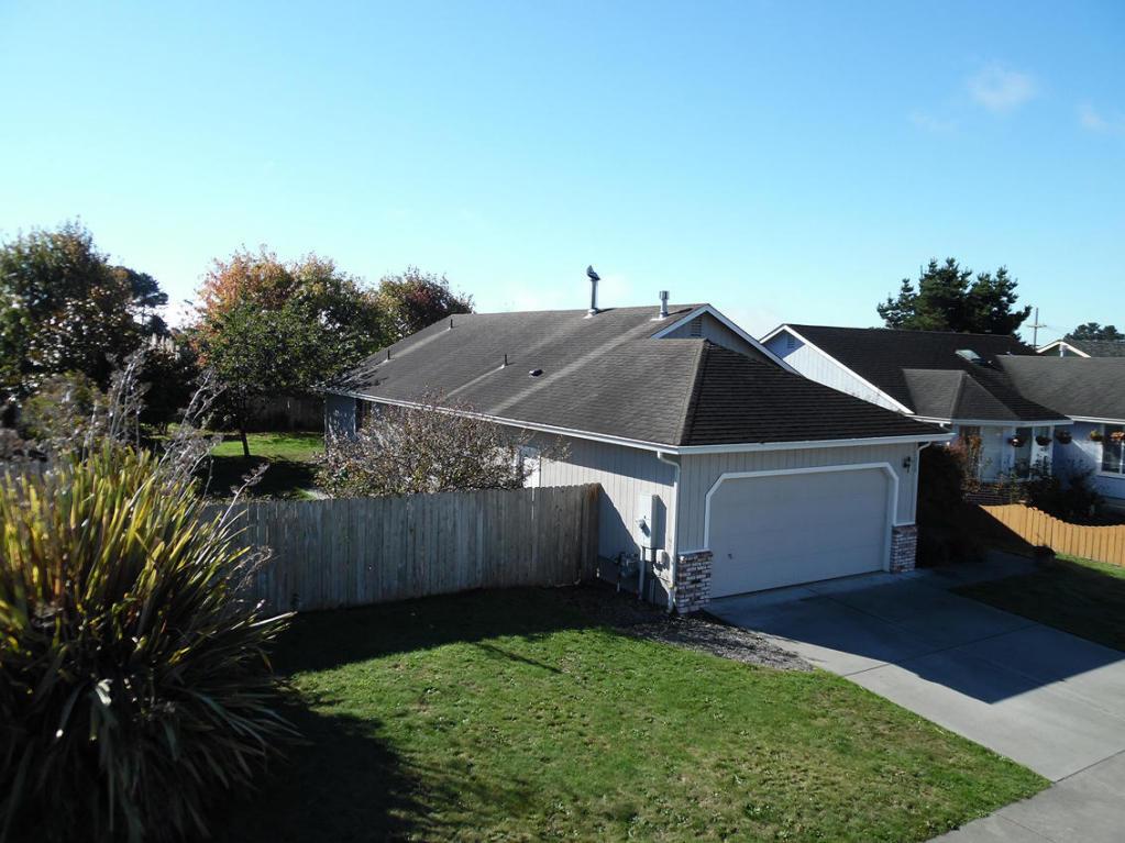 1326 Fernwood Dr, Mckinleyville, CA 95519