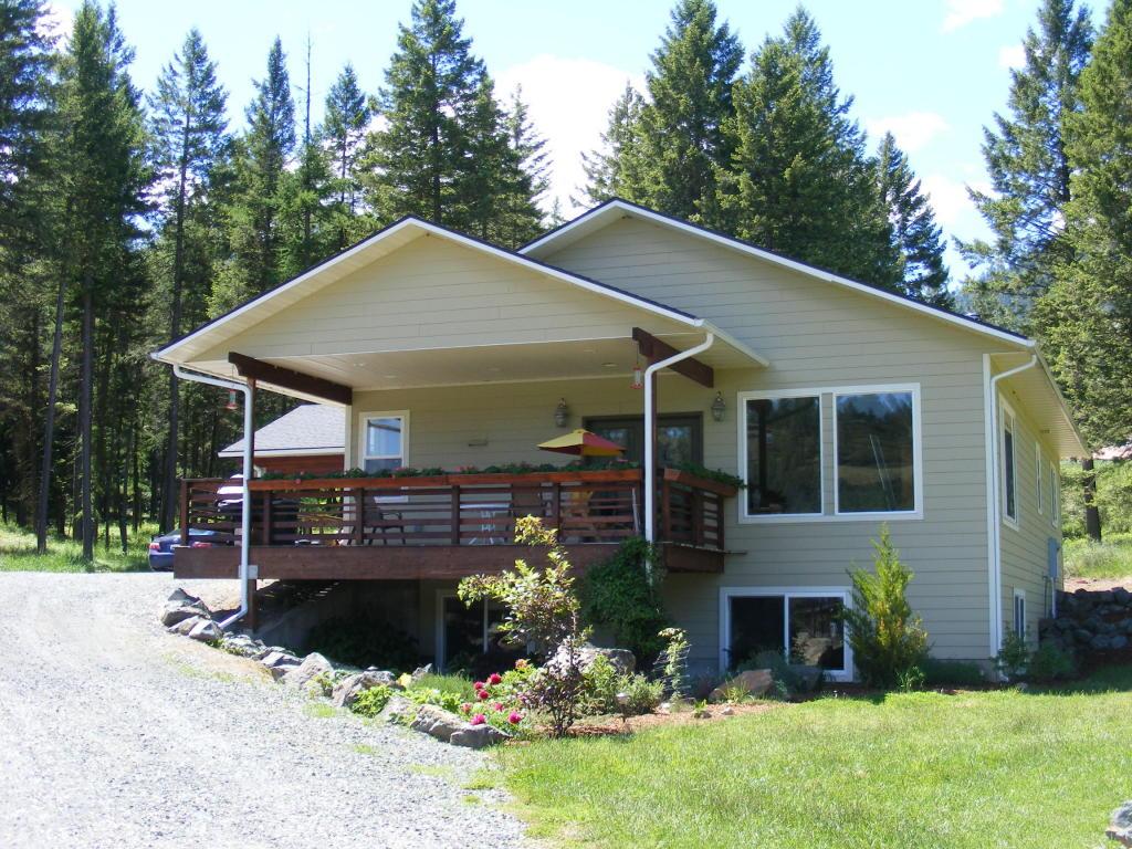2124 B Swiss Valley Road, Addy, Washington 99101