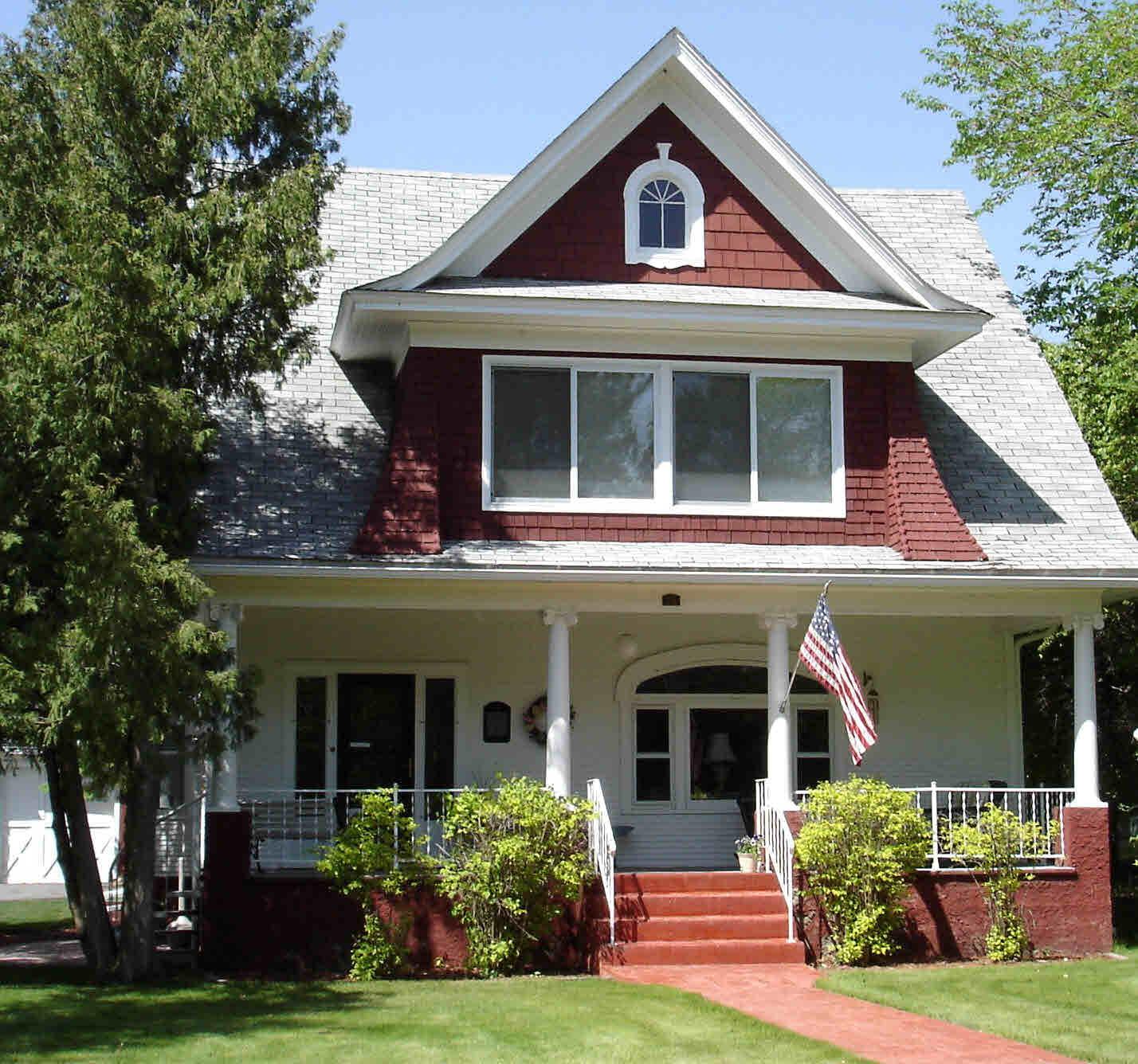 106 Park Street, Nevis, Minnesota 56467