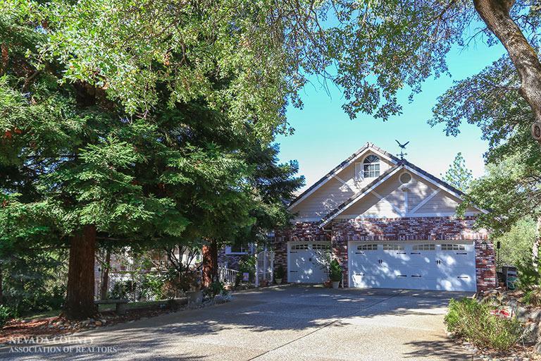 11600 Linnet Ct, Penn Valley, California 95946