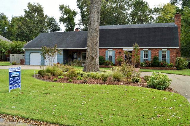 1700 Golf Links Drive, West Memphis, Arkansas 72301