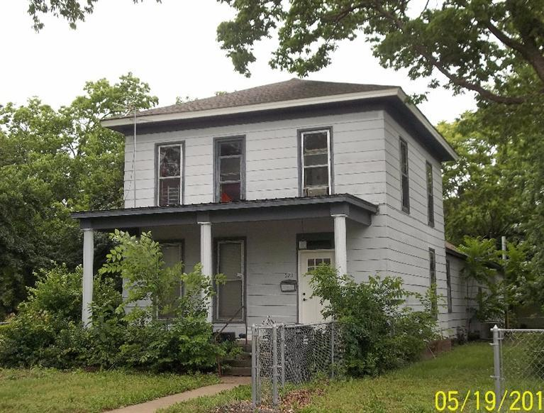 521 Illinois Street, Oswego, Kansas 67356