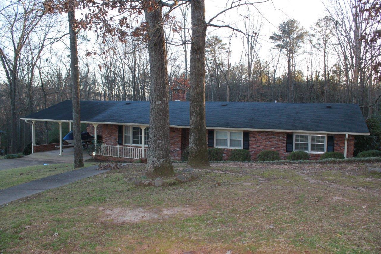3444 Creek Circle, Guntersville, Alabama 35976