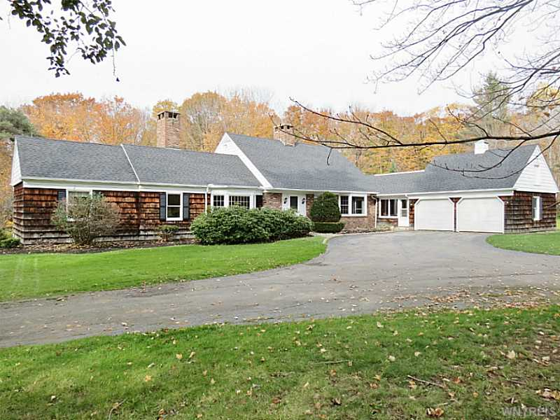 648 Olden Rd, Aurora, New York 14170